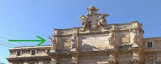 Fontana di Trevi, detalhe da parte superior