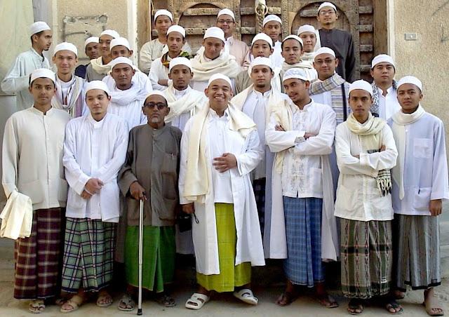 Perbedaan Sayyid, Sharif, Habib dan Mirza (bukan Firza)