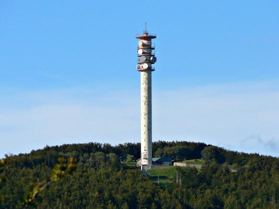 Rispieghiamo guccini per chi era assente 2017 for Piani di cabina della torre di fuoco