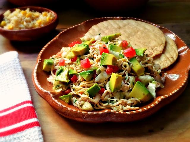 Mexican Chicken Salad (Salpicón de Pollo) - lacocinadeleslie.com