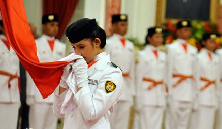negara Indonesia tidak luput dari gejolak dan ancaman yang membahayakan kelangsungan hidu Cita-Cita dan Tujuan Nasional Berdasarkan Pancasila