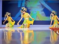 Tari Tradisional Baksa Kembang Kalimantan Selatan