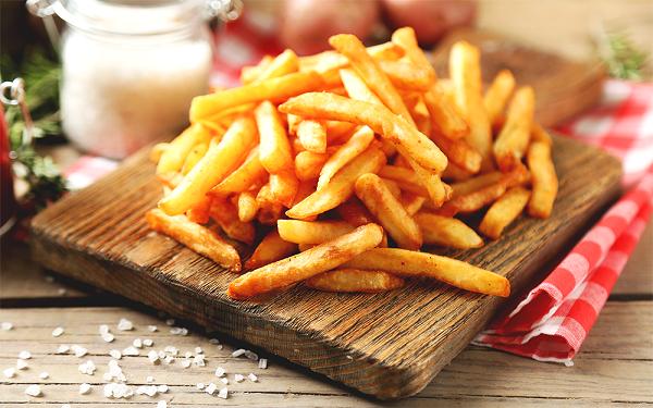 Receita de batata frita temperada (Imagem: Reprodução/Huddies)