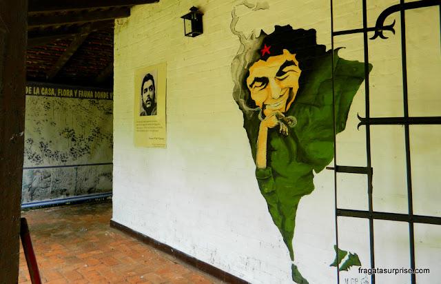 Retrato de Che Guevara no sítio La Misionera, sua primeira habitação