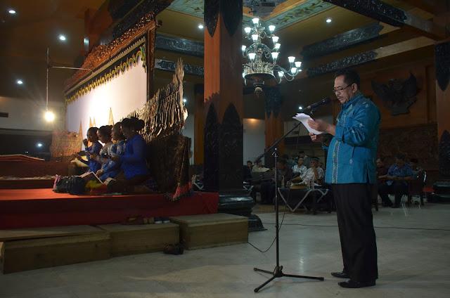 Plt Sekda Trenggalek Buka Pagelaran Wayang Kulit di Pendopo Manggala Praja Nugraha