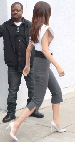 Lol. See what they did to Selena Gomez' butt (photo)