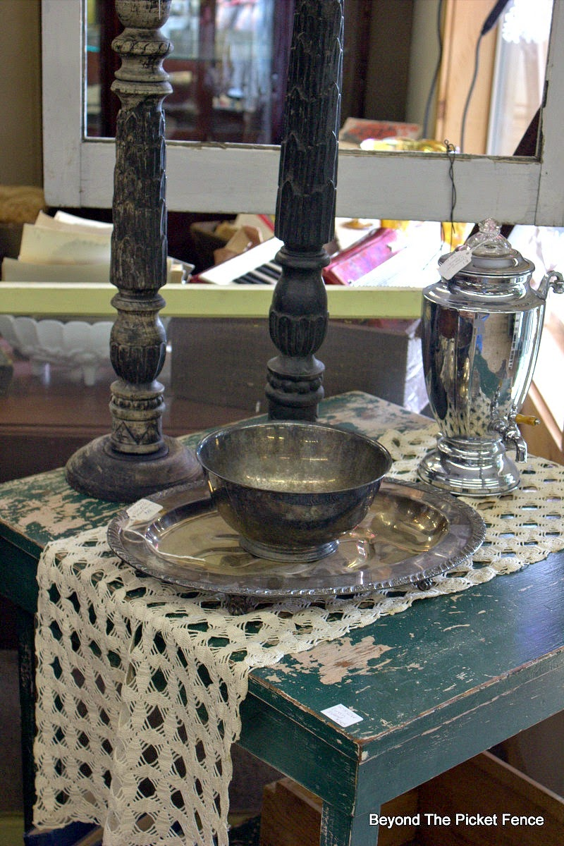 antique lace, silver, chippy paint, antiques, Beyond The Picket Fence, http://bec4-beyondthepicketfence.blogspot.com/2015/02/5-decorating-lessons-from-store.html