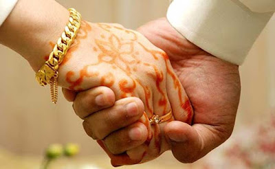 Happy marriage life ke  tips. Married life  ko khushhaal kaise banaye. Apne rishtey ko kaise strong  banaye? Pati-Patni ko khush rakhne ke tarike.