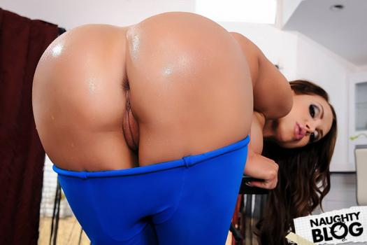 Big Wet Butts – Nikki Benz: Pantyhose Playtime