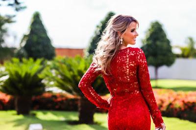 vestido de renda vermelho longo
