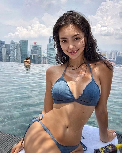 0f655c5d9c307 Cho Se-whee, also spelled Cho Se-hui, is a South Korean model and beauty  pageant titleholder who was crowned Miss Universe Korea for 2017.