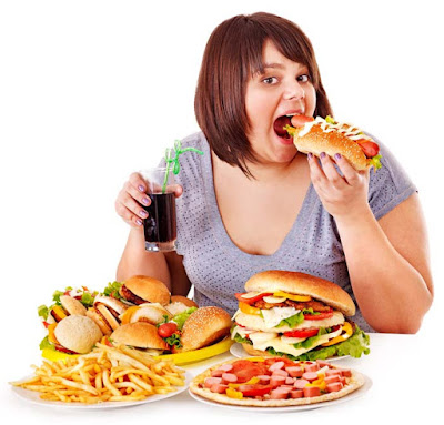أسوأ 10 عادات غذائية تسبب السمنة والسكر وأمراض القلب