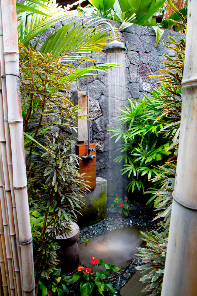 hidden-retreat-outdoor-shower-fixtures