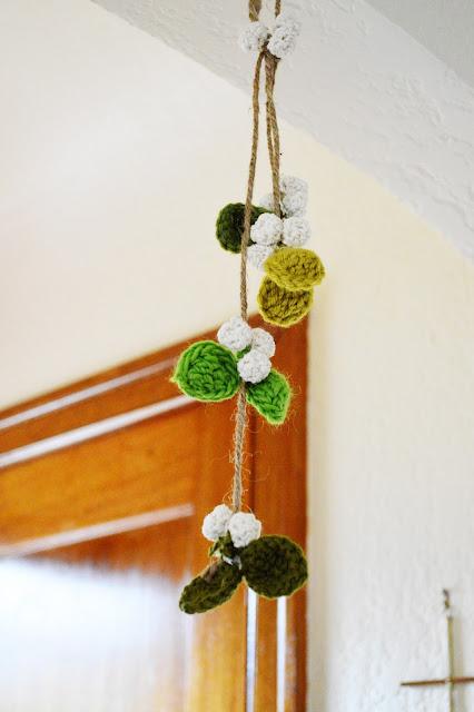 Maize Hutton: Anthro-pired Crocheted Mistletoe DIY