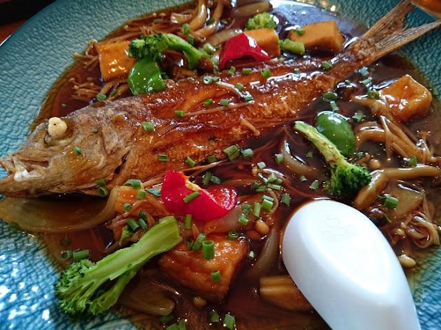 魚の唐揚甘酢あんかけの写真