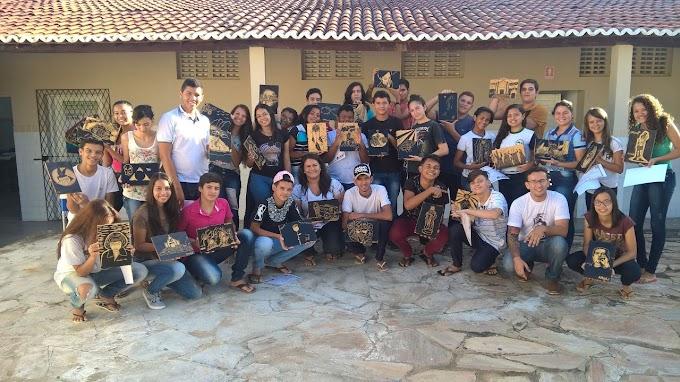 Escola pública de Florânia realiza oficinas de xilogravura e literatura de cordel