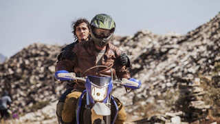 Corujão I de Domingo (27/9): Globo exibe filme Motorrad