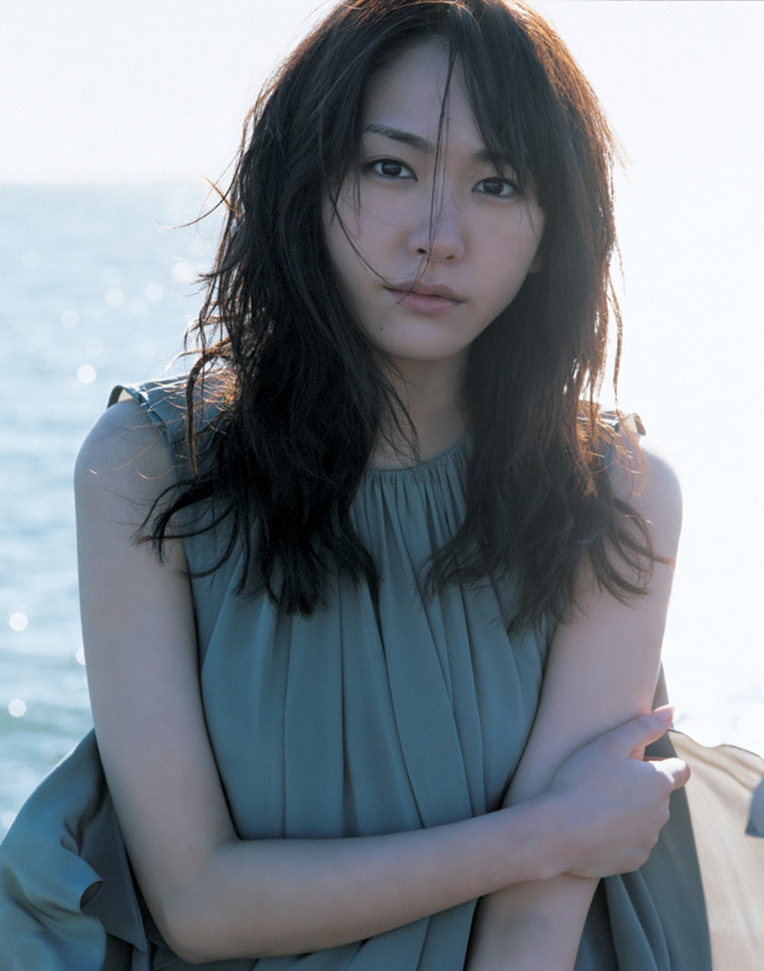 Yui Aragaki Nude Photos 12