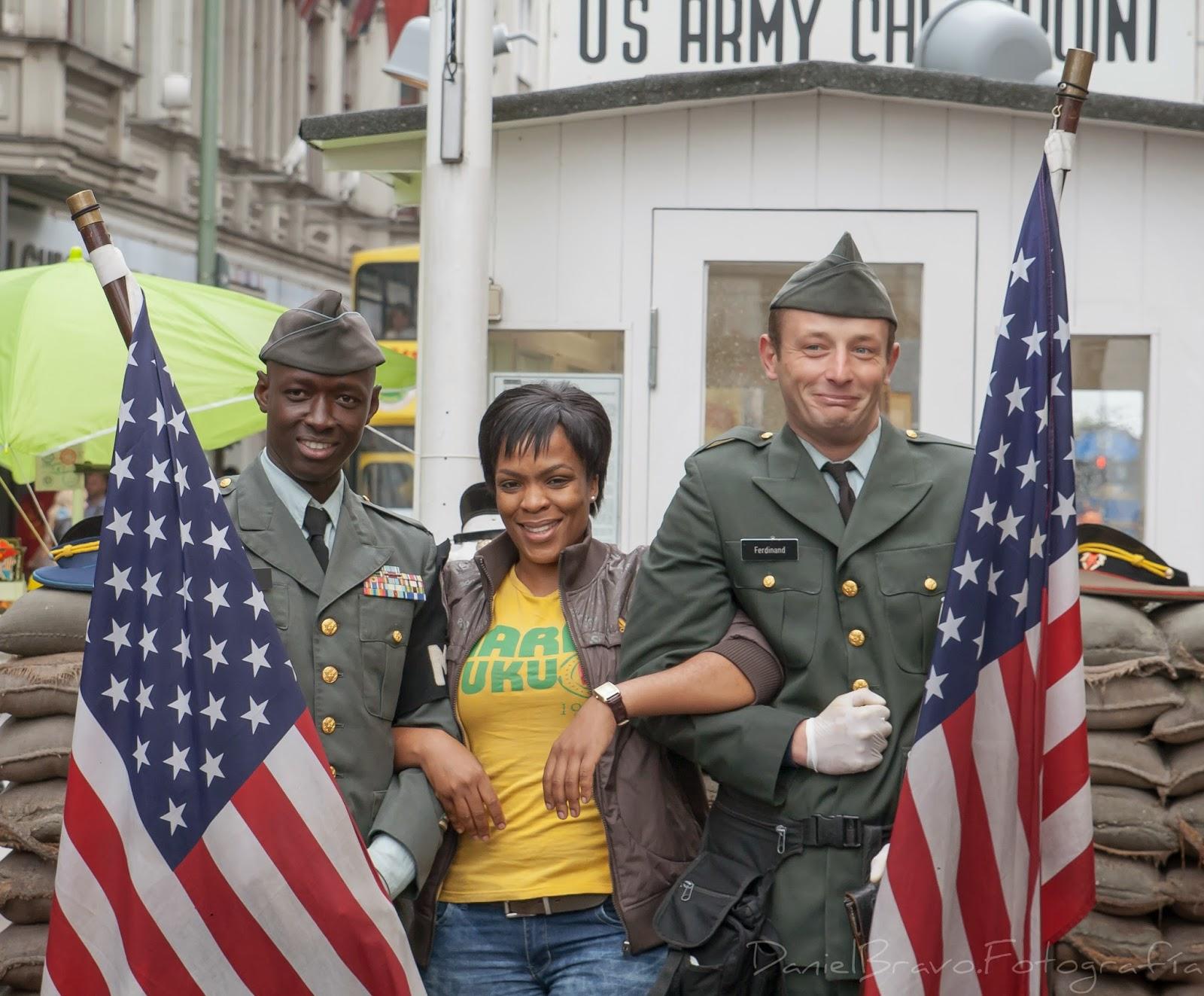 Puesto de control Chekpoint Charly, soldado, soldados, soldados americanos, Chekpoint Charly, Berlín, Berlin