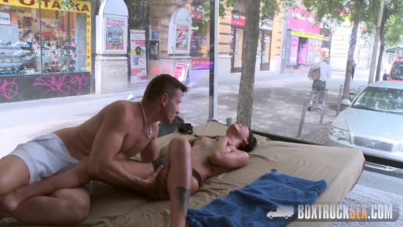 Box Truck Sex - Vendy Venus's Erotic Massage in Public