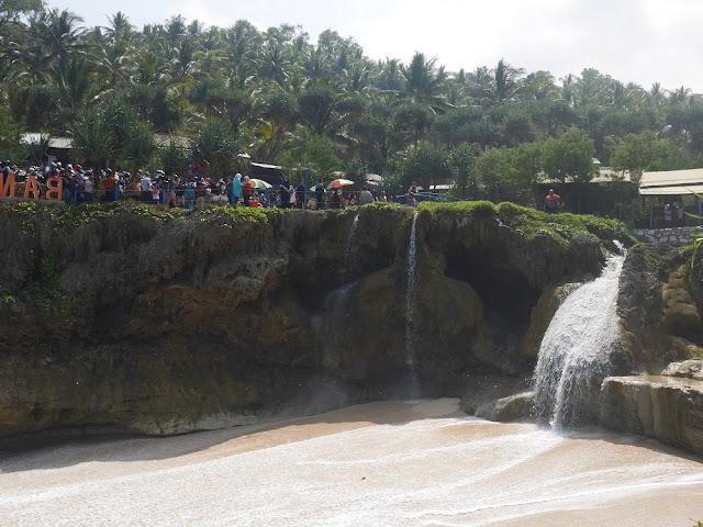 Pantai Banyutibo!