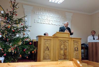Gary preaching in Újléta