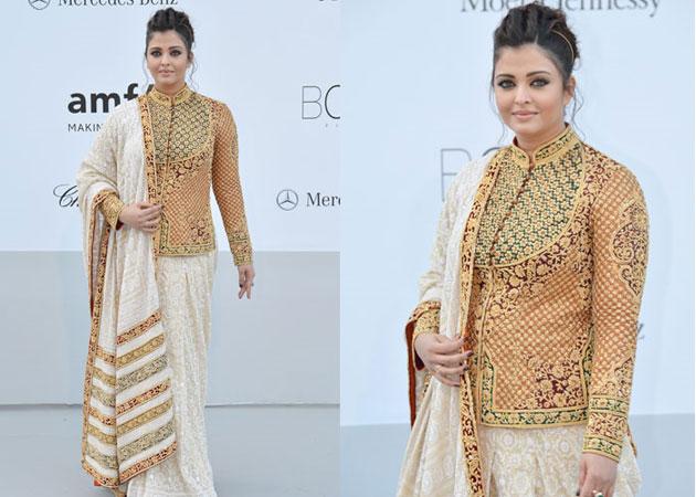 Aishwarya Rai in Trendy Jacket Style Blouse, Trendy Jacket Style Designer Blouse , Trendy Jacket Style Blouse Designs