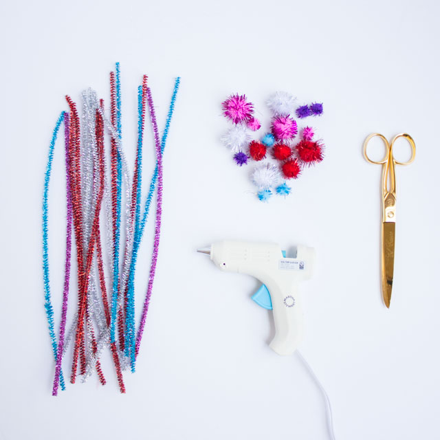 Pipe Cleaner and Pom-Pom Mother's Day Crown! | Design ...
