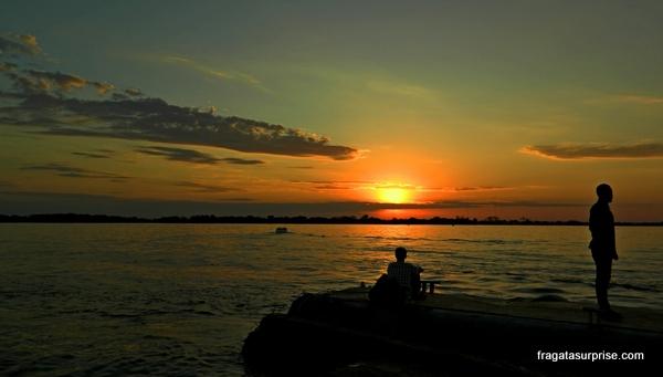 Porto Alegre - pôr do sol no Guaíba