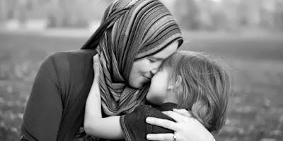 Pelukan Hangat Seorang Ibu - Blog Mas Hendra