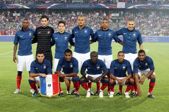Formación de Francia ante Chile, amistoso disputado el 10 de agosto de 2011