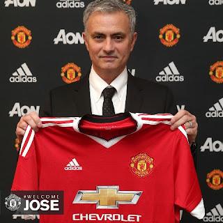 staring line-up MU Mourinho