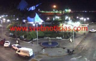 Dejan restos humanos frente a presidencia municipal de Manzanillo Colima