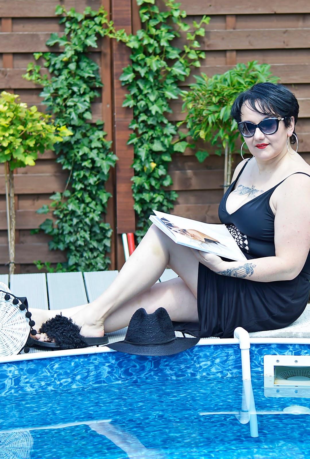 Hot summer, Strój kapielowy, Stylizacja na basen