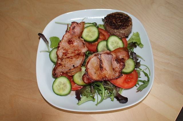 Green Salad with Lean Bacon, Cucumber Slices, and Tomato