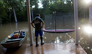 Obama's Refusal To Interrupt Vacation Amid Louisiana Flooding Stirs Anger