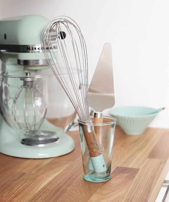 Jamie Oliver Kitchen Aid mint Schneebesen Tortenheber Küchenaccessoires