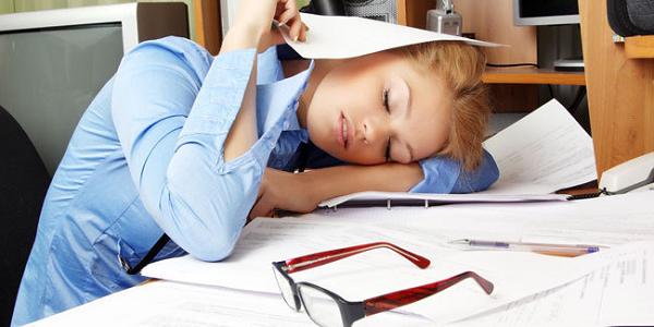 Gambar orang yang mengalami kelelahan secara fisik
