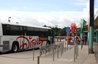 Como ahorrar dinero en Disney transporte uber taxi