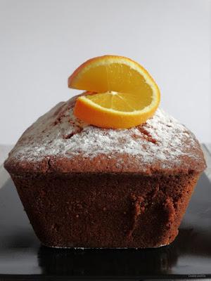 Saftiger Orangen-Marzipan-Kuchen