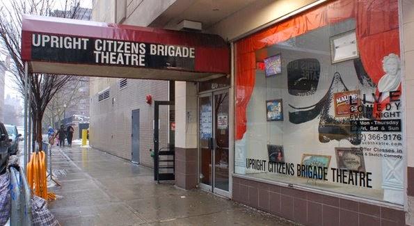 Stand-up comedy no Upright Citizens Brigade em Nova York