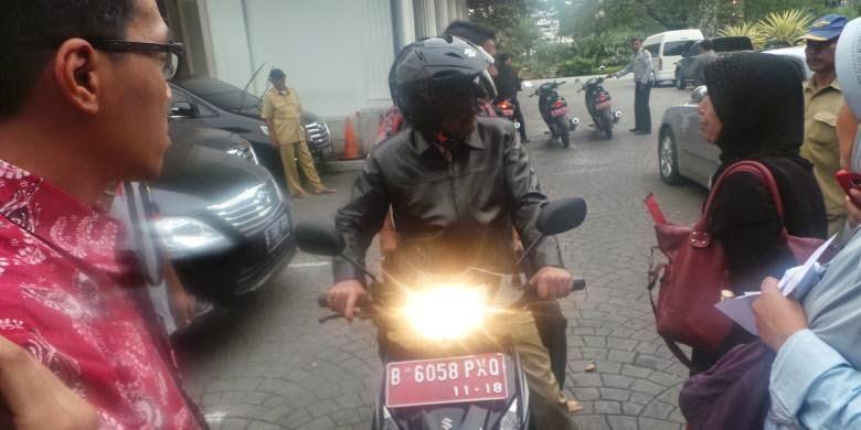 Wakil Gubernur DKI Blusukan Pakai Motor