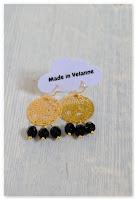 boucles d'oreilles estampes dorées et perles noires à facettes