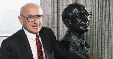 الخبير الإقتصادي الحائز علي جائزة نوبل الذي اكتشف عملة البتكوين قبل 18 عاما