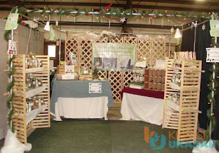 Booth Display Kayu