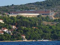 Tvornica Sardina, Adriatic Queen, Postira, otok Brač slike