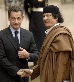 ¿Por qué Sarkozy se empleó tan a fondo contra Gadafi?