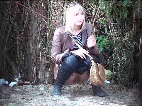 Видео присланное скрытой камерой частное женщины широко