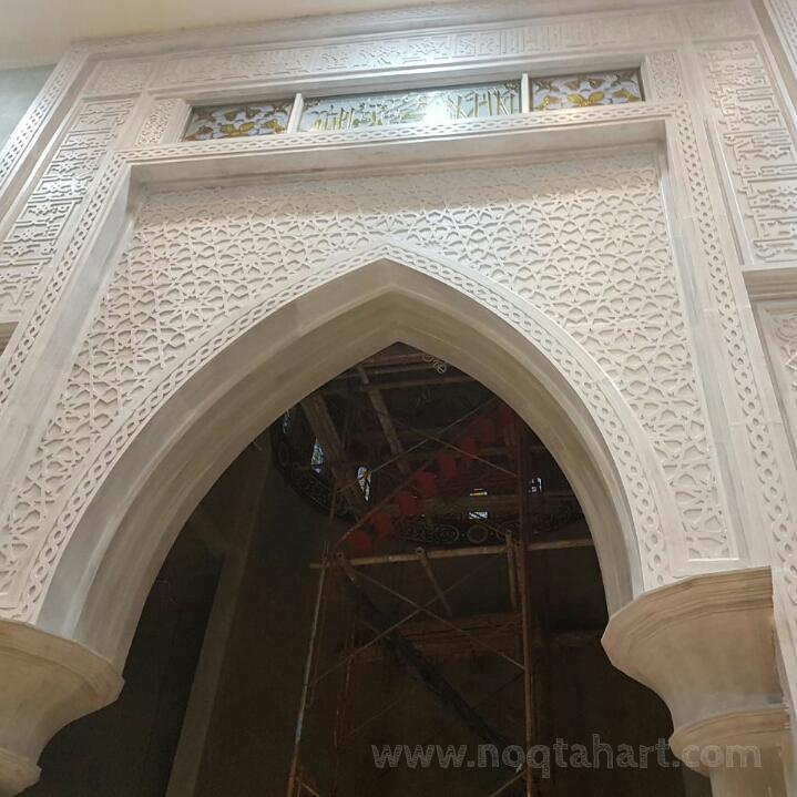 ornamen grc mihrab masjid