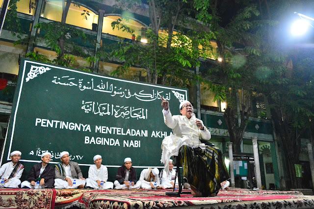 Santri Dalwa Tularkan Bahasa Arabnya di Ponpes Baitul Hikmah